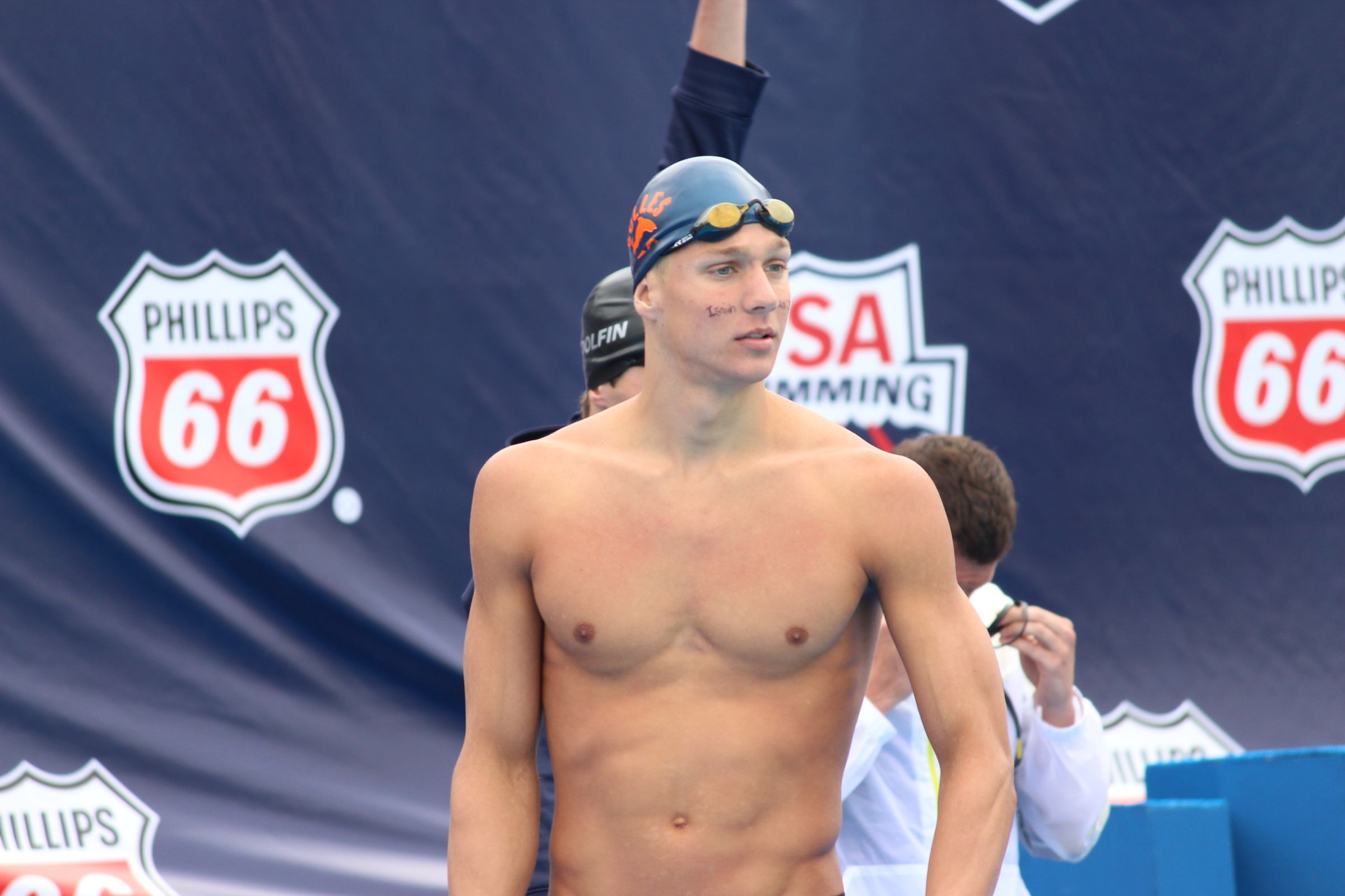 Caeleb Dressel earned a  million dollar salary - leaving the net worth at 0.1 million in 2017