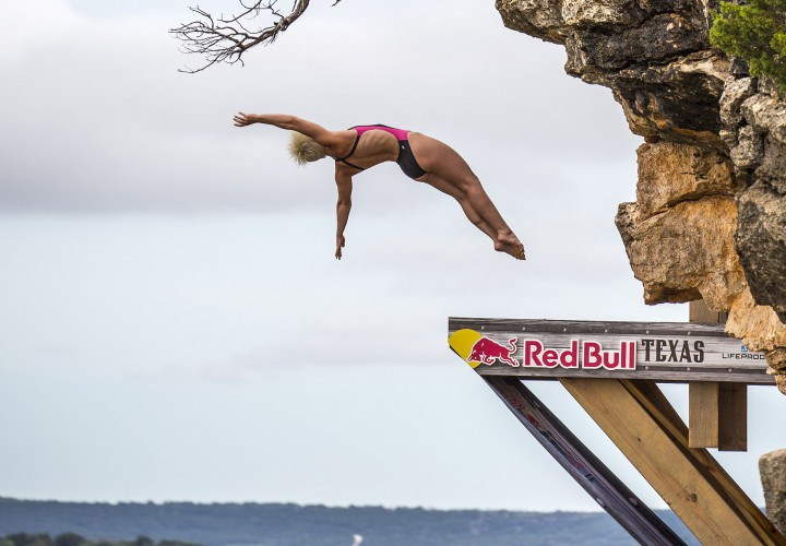 Gary hunt rachelle simpson snatch red bull cliff diving titles - Red bull high dive ...