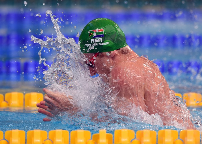 KAZAN, RUSSIA - AUGUST 04: Cameron van der Burgh of South Africa competes on the way to setting a new world record in a time of 26.62 in the Men's 50m Breaststroke heats on day eleven of the 16th FINA World Championships at the Kazan Arena on August 4, 2015 in Kazan, Russia. (Photo by Matthias Hangst/Getty Images)