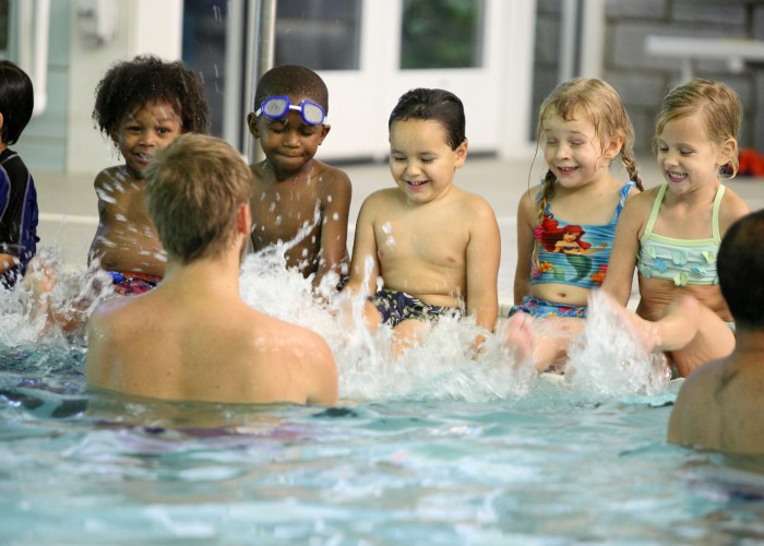 swim-lesson-children-splash