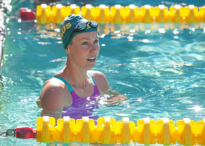 emma-mckeon-looking-for-her-50-free-time-at-2016-santa-clara