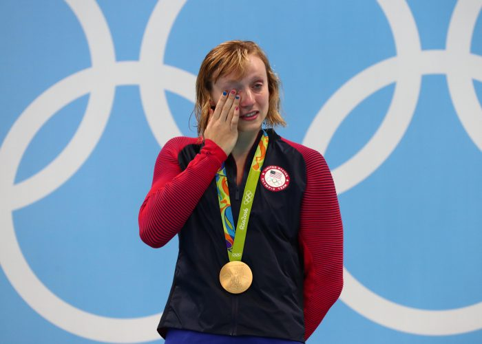 ledecky-crying-wipe-away-tears-gold-800-freestyle-rio