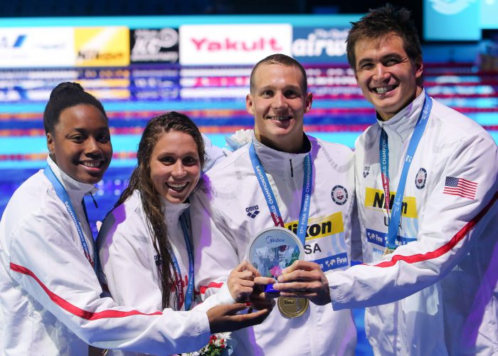 simone-manuel-mallory-comerford-caeleb-remel-dressel-nathan-adrian-usa-world-record-medals-4x100free-2017-world-champs