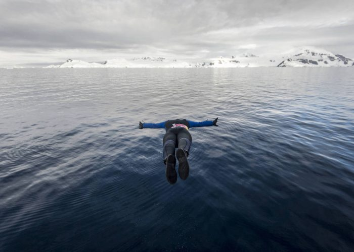 Orlando Duque dives during a trip to Antarctic on January 22, 2018 // Andreas Vigl / Red Bull Content Pool // AP-1VPMQNQF92111 // Usage for editorial use only // Please go to www.redbullcontentpool.com for further information. //