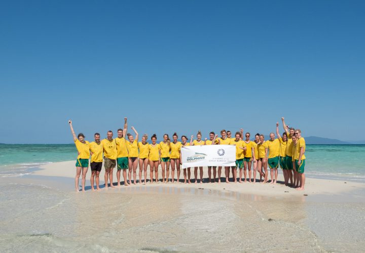 Swimming australia athletes explore great barrier reef for Great swimming pools