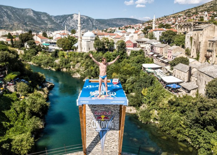 Gary Hunt of Great Britain dives from the 27 metre platform on Stari Most during the final competition day of the sixth stop at the Red Bull Cliff Diving World Series in Mostar, Bosnia and Herzegovina on September 8, 2018. // Predrag Vuckovic/Red Bull Content Pool // AP-1WUC5XF892111 // Usage for editorial use only // Please go to www.redbullcontentpool.com for further information. //